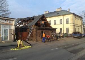 Rozbiórka najstarszego drewnianego budynku