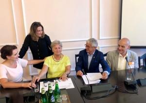 Radna Alicja Cichoń o radach seniorów