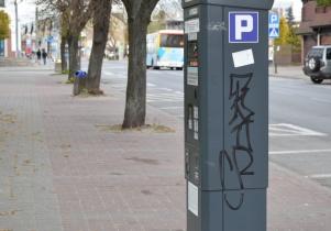 Malował graffiti na parkometrach – został zatrzymany na gorącym uczynku