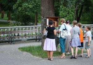 Parkuj z książką