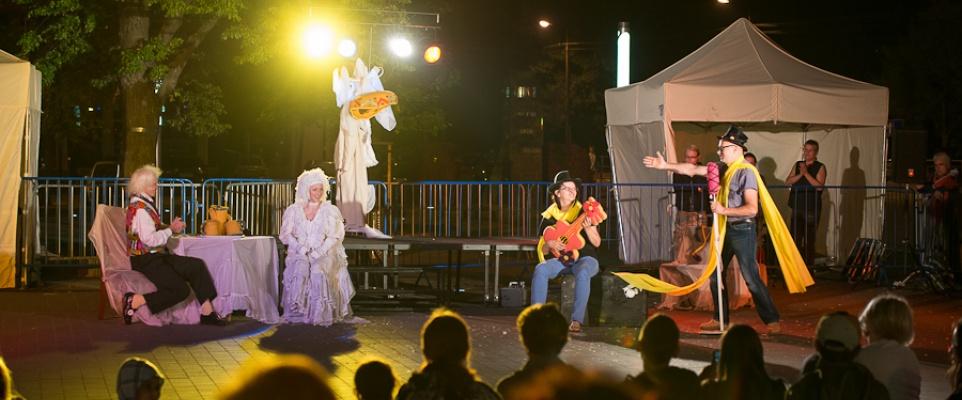 Teatry uliczne na Starym Rynku