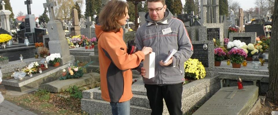 Kwesta na rzecz zabytkowych nagrobków