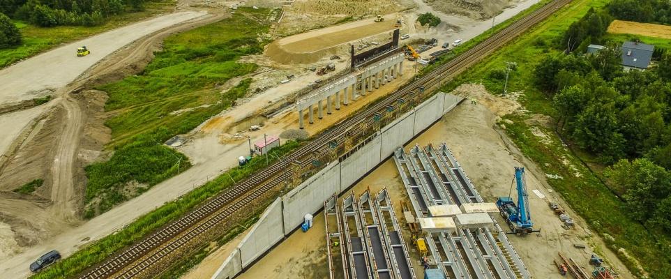 Utrudnienia w ruchu pociągów z powodu budowy autostrady A2