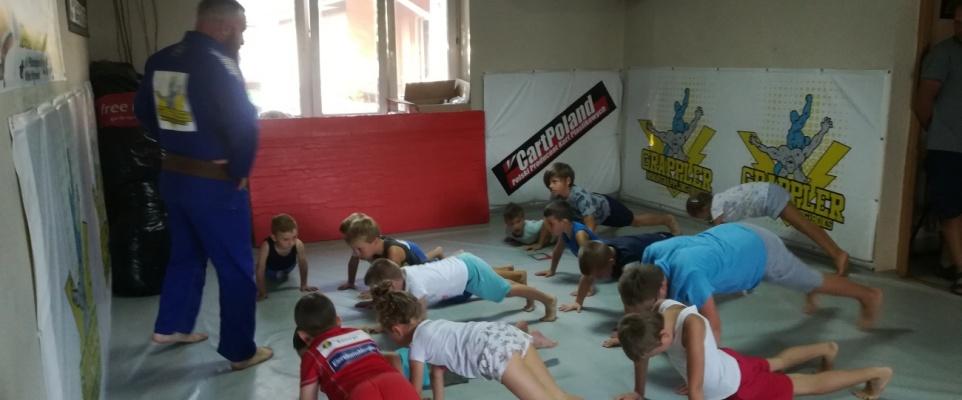 """Podsumowanie letniej akcji """"Sportowe wakacje z brazylijskim jiu-jitsu"""""""