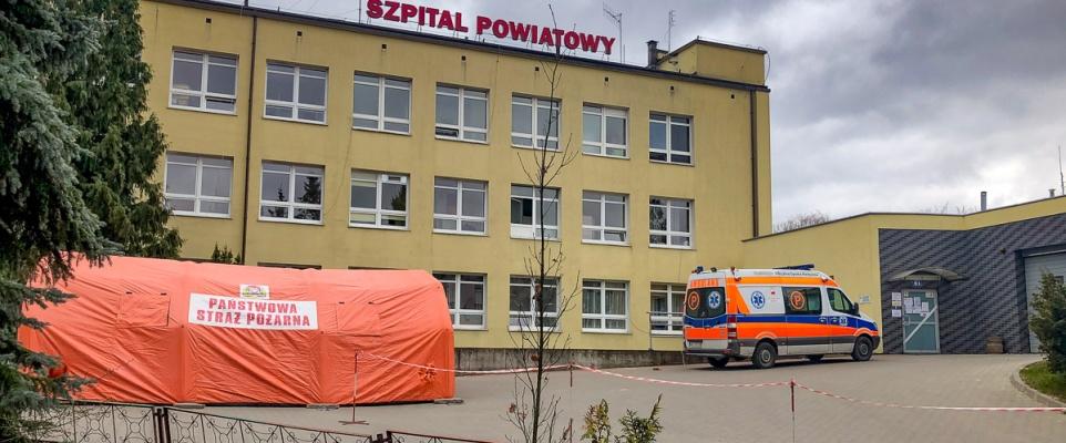 Szpital ustawił namiot do segregacji medycznej