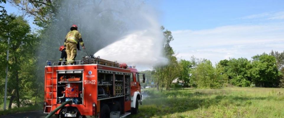 Strażacy ćwiczyli gaszenie pożaru w lesie
