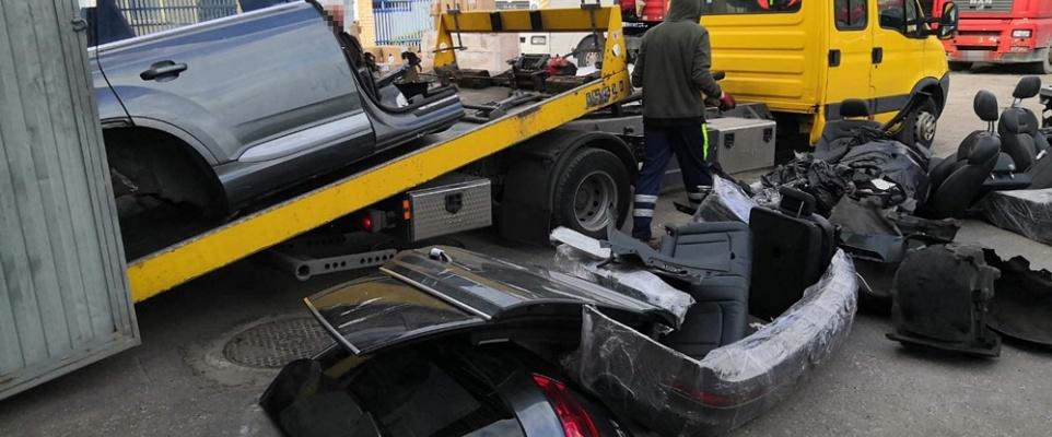 Policjanci przechwycili kradzione części samochodowe