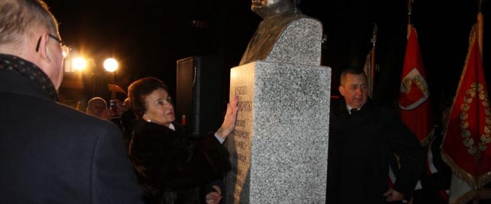 Odsłonięcie popiersia Prezydenta Kaczorowskiego